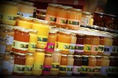Miel artisanal de la Maison méditerranéenne des Vins sur la route de l'Espiguette du Grau du Roi (crédits photos : networld-fabrice Chort)