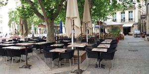 Burger et Ratatouille Montpellier est un restaurant de cuisine fait maison qui propose des burgers de caractère à déguster sur sa terrasse d'été pendant les beaux jours.