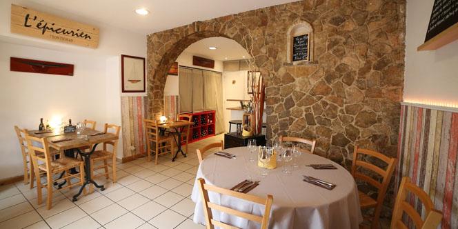 L'Epicurien Frontignan propose un Menu Noir à son restaurant pendant le Festival International du Roman noir (® SAAM-fabrice CHort)