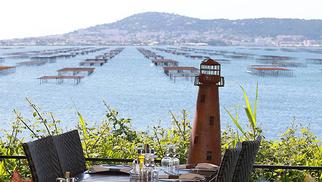 La Palourdière à Bouzigues propose une cuisine qui fleure bon la Méditerranée au bord de l'Etang de Thau.