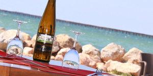 Le Marin Bouzigues propose des sorties bateau sur l'Etang de Thau pour découvrir les parcs à huîtres.(® networld-fabrice chort)