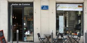 Réservez votre cours de cuisine à Montpellier à l'Atelier de l'Epicure ! Découvrez comment apprendre à cuisiner à l'atelier de cuisine Epicure.(® SAAM-fabrice Chort)