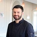 Le restaurant L'Escale à Palavas-les-Flots présente son chef cuisinier Anthony Siri