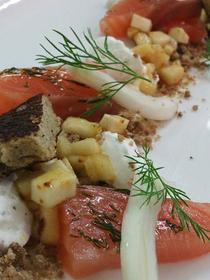 Le Clos des Oliviers Saint Gély du Fesc propose sa recette à base de Saumon gravlax à l'aneth (® clos des oliviers - Grégory Doucey)