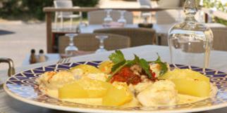 Rives de Thau Bouzigues restaurant propose la recette de La Bourride de Lotte façon du Chef (® networld-fabrice chort)