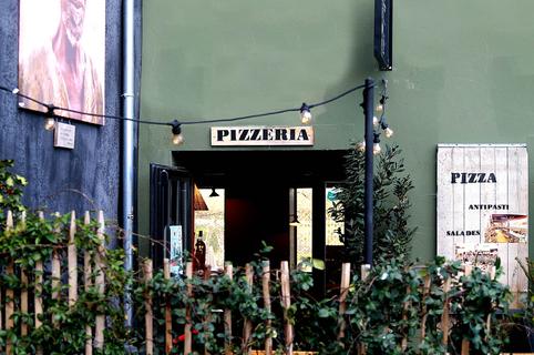 A Tavola Pizzeria Montpellier est un restaurant qui propose des pizzas à base de produits frais au Marché du Lez à déguster sur place ou à commander en livraison à domicile ou au bureau.( ® SAAM-Fabrice CHORT)
