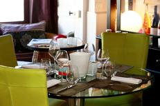 Anis et Canisse Montpellier Restaurant cuisine fait maison et ses tables en terrasse dans un magnifique patio (® SAAM-fabrice CHort)