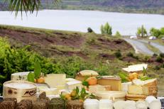 Auberge du Lac au Salagou est un restaurant avec une cuisine Faite Maison avec des produits frais ici un plateau de fromages gourmand (® networld-fabrice chort)