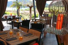 Auberge du Lac Salagou restaurant avec une cuisine Faite Maison et une superbe vue sur le lac (® networld-fabrice chort)