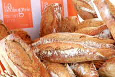 Boulangerie Lattes Boulangerie Ponrouch au Mas Saint Pierre : une boulangerie-salon de thé-snack aux portes de Montpellier avec ici de savoureux pains (® SAAM-fabrice Chort)