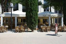 Grande terrasse de la brasserie La Suite dans le quartier Antigone de Montpellier (crédits photos:networld-S.Boirel)
