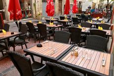 Café Léon Montpellier Restaurant cuisine fait maison et ses tables en terrasse au centre-ville (® networld-fabrice Chort)
