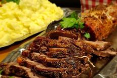 Restaurant Fleur de Sel Sète est un restaurant de cuisine fait maison Ici : Rôti de porc braisé à la bière (® fleur de sel)