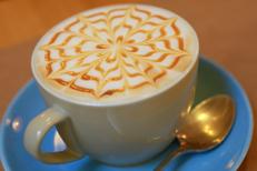 Georges Café Montpellier Salon de thé sert des boissons chaudes gourmandes (® networld-fabrice Chort)