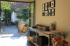 L'Aromate Palavas un restaurant de produits frais avec également une carte de Bar à vins et une grande terrasse au cœur de la cité  (® l'aromate)