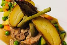 Restaurant Cuisine fait maison Montpellier : L'Art Local à Port Marianne. Ici l'agneau rouge bio des Terrasses du Larzac (® l'art local)