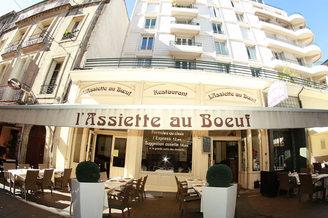 L'Assiette au Bœuf Montpellier Restaurant traditionnel en centre-ville et l'une de ses terrasses (® networld-fabrice Chort)