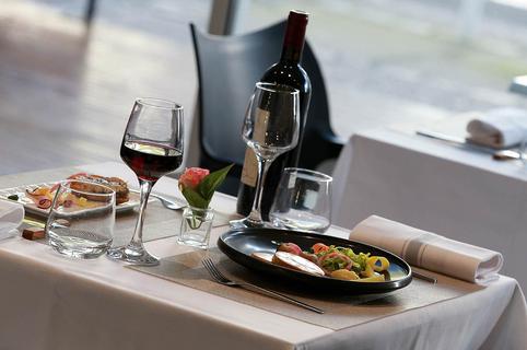 L'Instant Présent La Grande Motte est un restaurant gastronomique qui propose une cuisine fait maison de grande qualité en centre-ville.(® SAAM-fabrice CHORT)