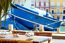 La Calanque Sète propose une terrasse sur les quais face aux bateaux (® networld-fabrice Chort)