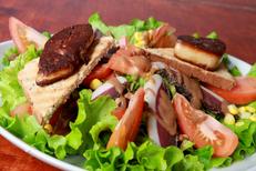La Casa de Pat Montpellier propose des salades-repas dans son restaurant-bar à vins et tapas (® networld-fabrice Chort)