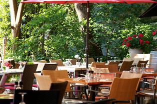 La Jalade Restaurant Montpellier propose une cuisine traditionnelle aux accents méditerranéens dans le complexe de tennis club La Jalade près des Hôpitaux Facultés. (® SAAM-fabrice chort)