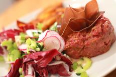 La Jalade Montpellier Restaurant propose des assiettes gourmandes connexe au tennis club dans le quartier Hopitaux-Facultes de Montpellier (® SAAM-Fabrice Chort)