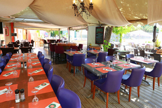 La Jalade Montpellier Tennis et son restaurant avec ses tables en terrasse dans le quartier Hopitaux-Facultes  (® SAAM-Fabrice Chort)