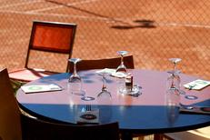 Restaurant Montpellier Nord La Jalade propose une cuisine fait maison au club house du tennis-club.dans le quartier Hopitaux-Facultes (® SAAM-Fabrice Chort)