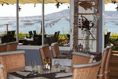 La Palourdière Bouzigues est un restaurant de poissons, coquillages et grillades qui propose des tables en terrasse avec une vue magnifique (® SAAM-fabrice Chort)