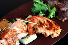 Vous cherchez un restaurant fait maison à Carnon ? Découvrez La Plancha avec terrasse face au port. (® SAAM-fabrice Chort)