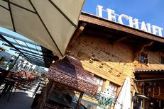 Chalet Chamoniard Montpellier et ses tables en terrasse à Lattes à Lattes (® SAAM-fabrice chort)