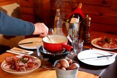 Restaurant fondue Montpellier au Chalet Chamoniard Lattes (® SAAM-fabrice chort)