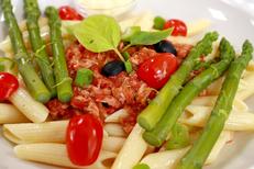 Le Fontenoy Montpellier Restaurant cuisine fait maison et des produits frais face à Saint Eloi avec des tables en terrasse (® SAAM-Fabrice Chort)