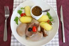 """Restaurant le Fontenoy Montpellier un restaurant traditionnel avec du """"fait maison"""" face à Saint Eloi (® SAAM- fabrice CHort)"""