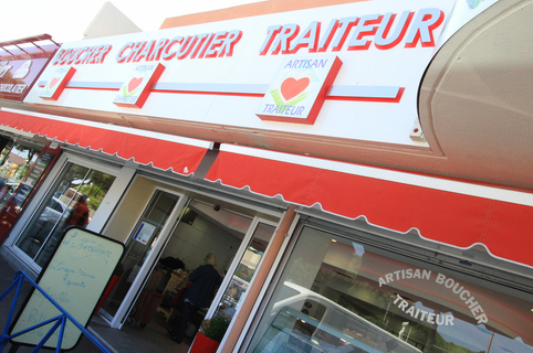 Le Grau Gourmand Grau du Roi au centre commercial Le Port Royal qui propose aussi une boucherie-charcuterie (® networld-Fabrice Chort)
