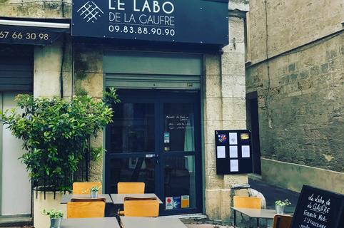 Le Labo de la Gaufre est un restaurant de gaufre à Montpellier qui sert des gaufres fait maison et des plats traditionnels en centre-ville.(® le labo de la gaufre)