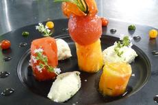 Restaurant luxe Montpellier Le Mazerand à Lattes présente une cuisine gastronomique ici savoureuse déclinaison de Tomates (® SAAM-Fabrice Chort)