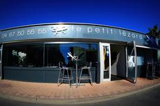 Le Petit Lézard Palavas restaurant présente une belle terrasse propose une cuisine traditionnelle à base de poissons (® networld-fabrice chort)