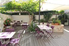 Restaurant Les Gourmands Montpellier dispose des tables en terrasse pour les beaux jours dans un patio intimiste au centre-ville (® networld-Fabrice Chort)