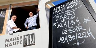 Marée Haute Frontignan restaurant avec une cuisine fait Maison traditionnelle proposant des poissons notamment et des tables en terrasse.(® SAAM-fabrice Chort)