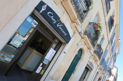 Pizzeria Chez Vincent Montpellier restaurant italien dans le quartier des Beaux Arts  (® SAAM-Fabrice Chort)