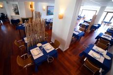 Restaurant à Frontignan 34 Porto Mar Restaurant de poissons, coquillages et spécialités portugaises avec vue sur le port (® SAAM-fabrice Chort)
