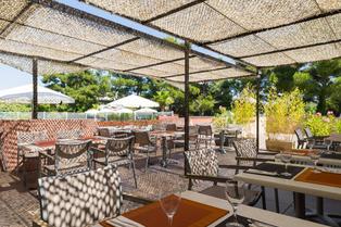 Le restaurant Le Mas de Grille The Original City à Saint Jean de Védas propose une cuisine traditionnelle au sein d'un complexe hôtelier aux portes de Montpellier. (® site le mas de grille)