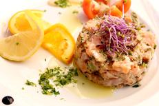 Restaurant Rives de Thau Bouzigues au bord de l'Etang de Thau qui propose Poissons, coquillages et cuisine aveyronnaise (® SAAM-Fabrice Chort)