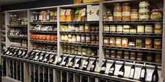 Produits régionaux Montpellier dans les restaurants ou boutiques ( ® SAAM-fabrce Chort)